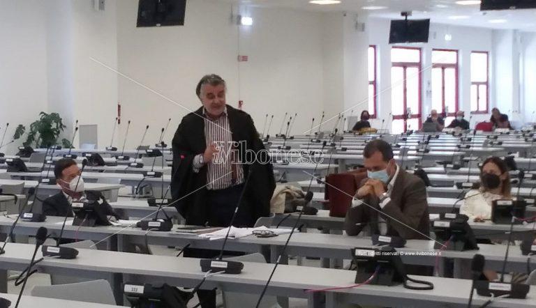 """Processo Rinascita Scott, """"botta e risposta"""" in aula fra Mantella e l'avvocato Staiano"""