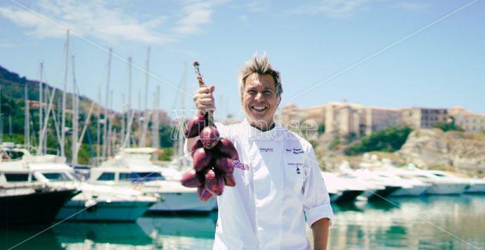 I piatti e l'arte dello chef Mainardi al Tropea cipolla party – Intervista