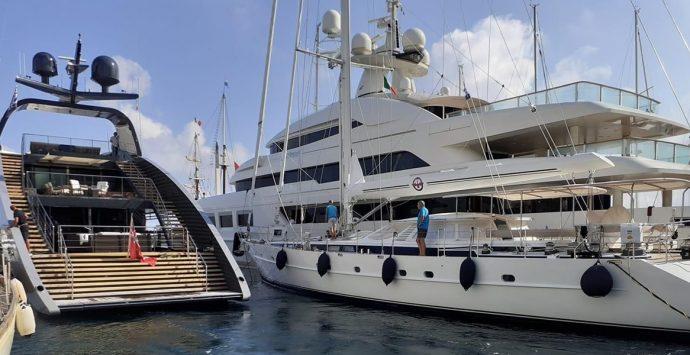 """Vibo Marina: al porto il """"Saramour"""", gioiello della cantieristica da diporto"""