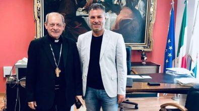 Vibo, il vescovo Oliva fa visita al presidente della Provincia Solano