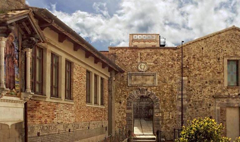 Al Sistema bibliotecario vibonese in mostra 34 taccuini d'artista