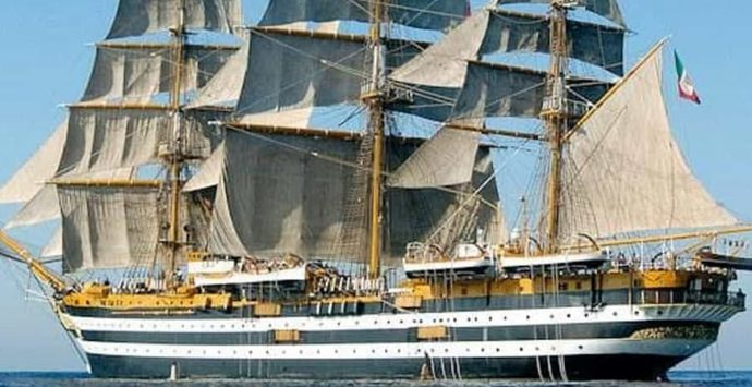 """Lunedì la nave-scuola  """"Vespucci"""" nel porto di Vibo Marina: ecco il programma"""