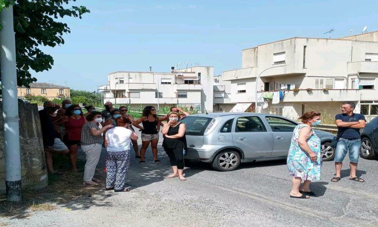 Emergenza idrica a Vibo Marina, cittadini esasperati bloccano la statale