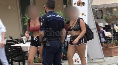 «Di mutandari non ne vogliamo», il sindaco di Tropea multa chi gira in costume in centro -Video