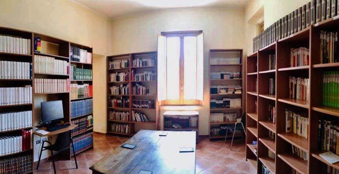 """Serra rinasce con la nuova biblioteca """"Enzo Vellone"""""""