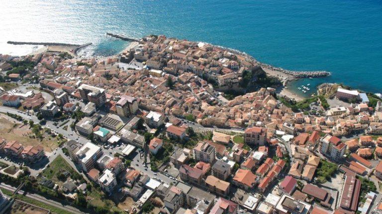 Edifici Asp nel degrado a Pizzo, i commissari: «Topi e pericoli. Si intervenga»