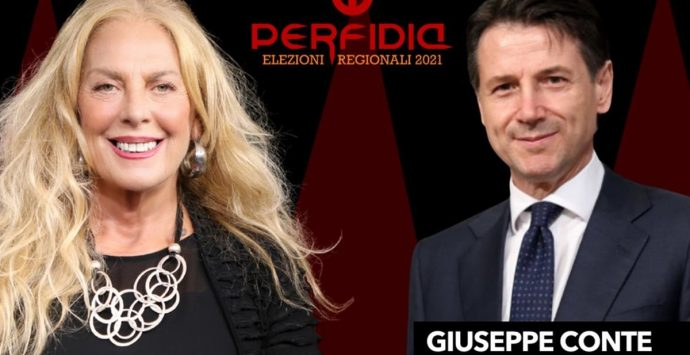 Perfidia si fa piazza con Giuseppe Conte. Antonella Grippo intervista il leader del M5S – Video