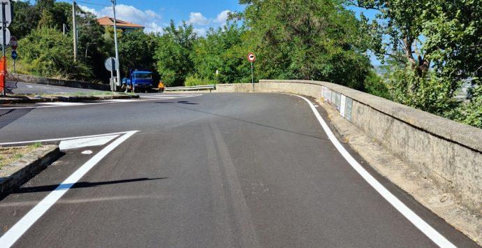 Nuovo smottamento sulla strada per Longobardi, il Pd: «Dal sindaco solo slogan»