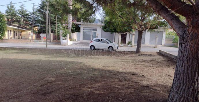 Inagibile la scuola di Portosalvo, gli alunni trasferiti nei gazebo