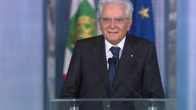 Mattarella a Pizzo: «La ripartenza delle scuole è il segno del Paese che riparte»