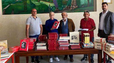 """Alla biblioteca di Nardodipace 300 volumi donati dell'associazione """"Isola"""""""