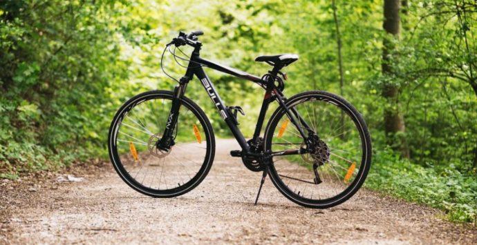 """La corsa in bici """"Il mattone del mondo"""" fa tappa a Tropea"""