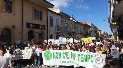 Friday for Future, gli studenti vibonesi in piazza contro il cambiamento climatico – Video