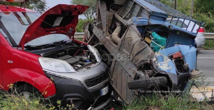 Incidente stradale alle porte di Ionadi, due i feriti
