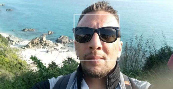 Giovane muore travolto da un pirata della strada a Roma, lutto cittadino a Capistrano