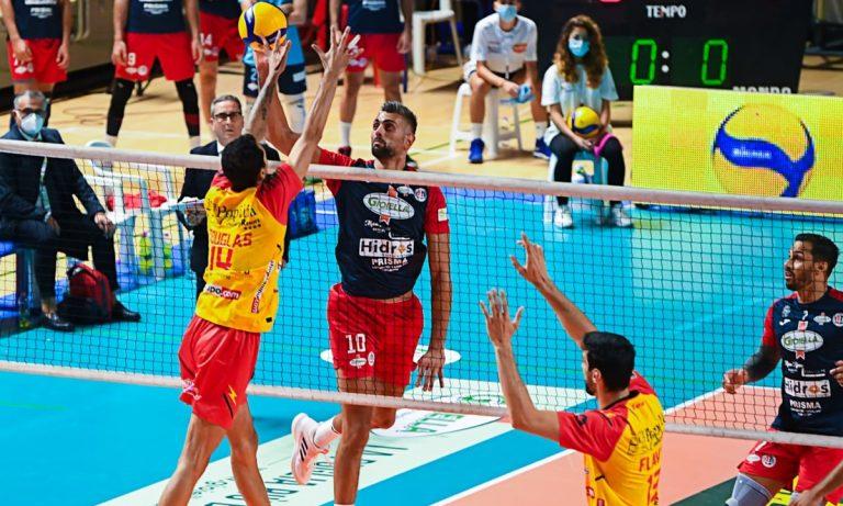Volley, buona la prima per la Tonno Callipo: a Taranto vince 3-1