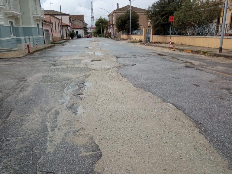 Mileto, stallo dei lavori sulla via Nicola Lombardi: Pedullà accusa il sindaco