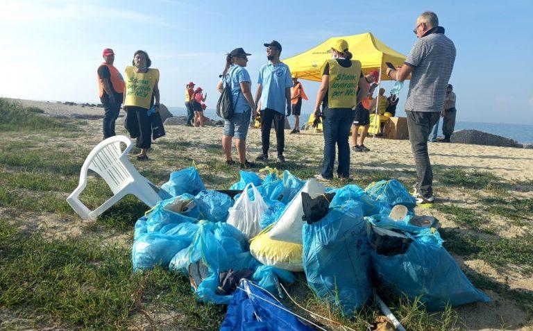Legambiente scende in campo a Bivona per ripulire la foce del torrente Sant'Anna