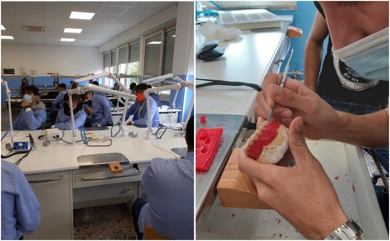 Vibo, gli studenti dell'Odontotecnico realizzano e donano due protesi dentarie